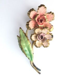 VTG ✨ flower brooch